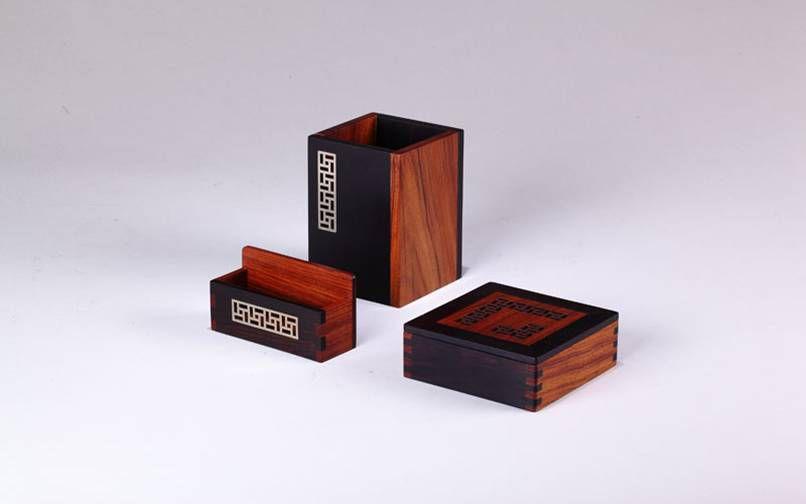 红木办公礼品定制 商务红木笔筒套装 名片座便签盒三件套